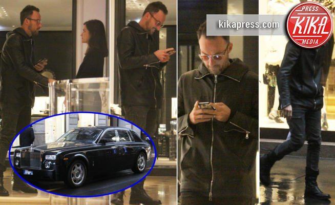 Francesco Facchinetti shopping di lusso: con la Rolls Royce in centro a Milano