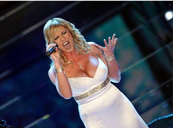 Annalisa-minetti-cantante-586x436