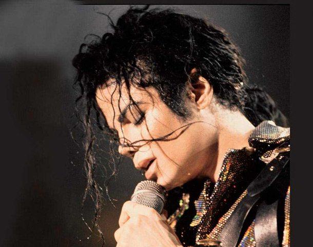 """Michael Jackson: """"Stanno tentando di uccidermi..."""", una lettera svela i timori della popstar"""