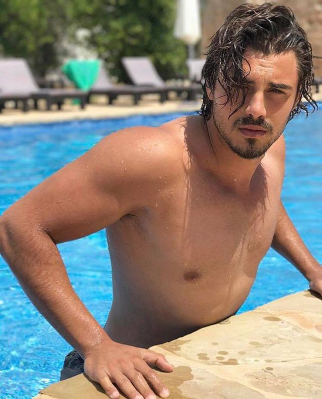 http_media-s3.blogosfere.itrealityshow00f6francesco-monte-petto-nud0