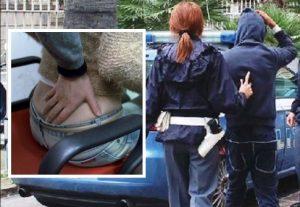 palpeggiata-arrestato-roma-autobus-